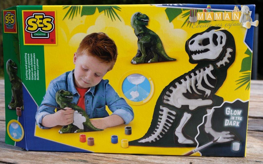 Coffret de moulage et peinture T-Rex avec squelette SES CREATIVE
